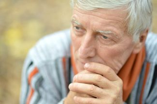 What are the warning signs of mesothelioma